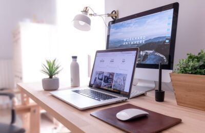 5 Reasons Why Every Student Should Start a Website